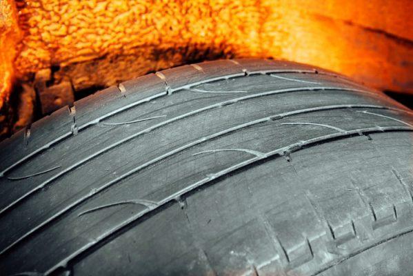 Brisbane_tyres_7_symptoms_of_dangerously_worn_tyres