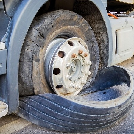 How-to-avoid-a-tyre-blowout-on-your-truck square