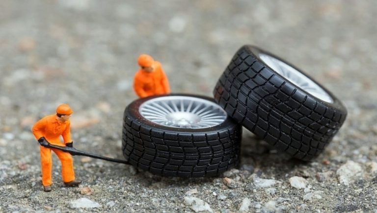 How_to_make_sure_you_buy_the_right_car_tyres